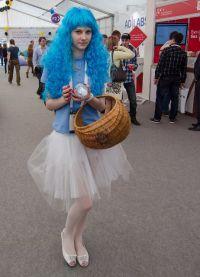 niebieska peruka 10