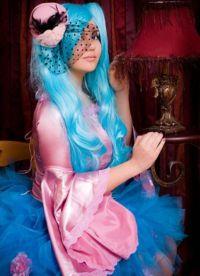 niebieska peruka 11