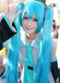 niebieska peruka 24