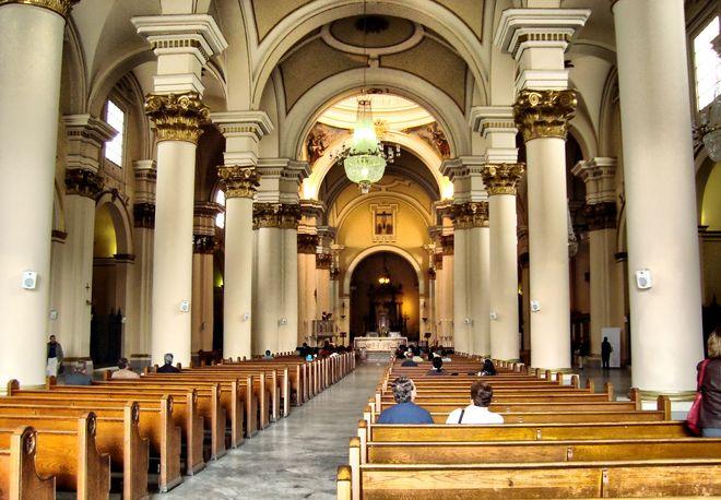 Центральный неф кафедрального собора Боготы