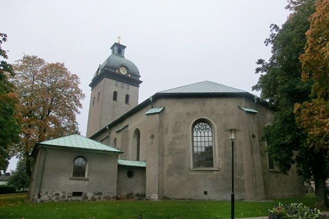 Церковь Карола - старейшее здание города