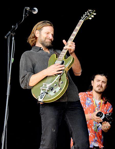 Купер и соло на гитаре