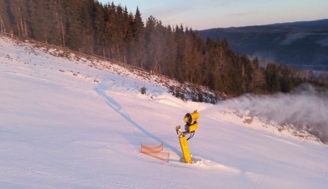Снежные пушки обеспечивают качество покрытия