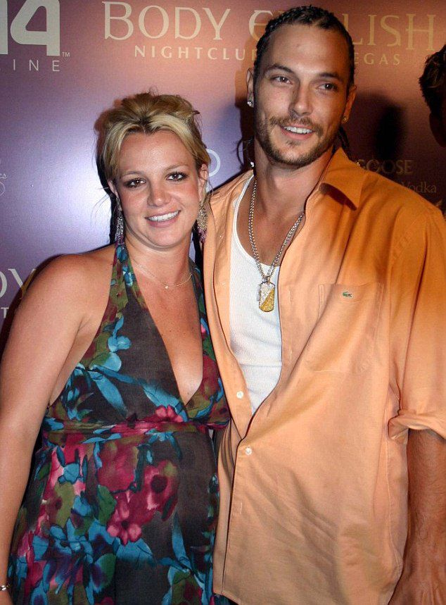 Бритни Спирс и Кевин Федерлайн (на фото в 2005 году)