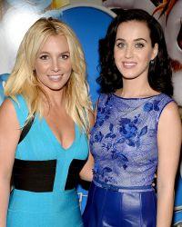 Бритни и Кэти Перри на премьере «Смурфиков» в Лос-Анджелесе в 2013 году