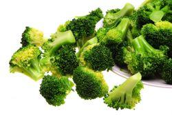 przepisy na brokuły na parze