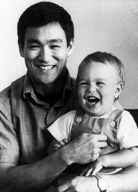 Брюс Ли с сыном