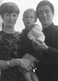 отец и мать Брендона Ли