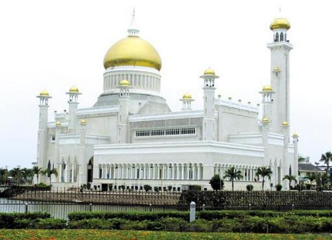 Мечеть Омара Али Сайфудина