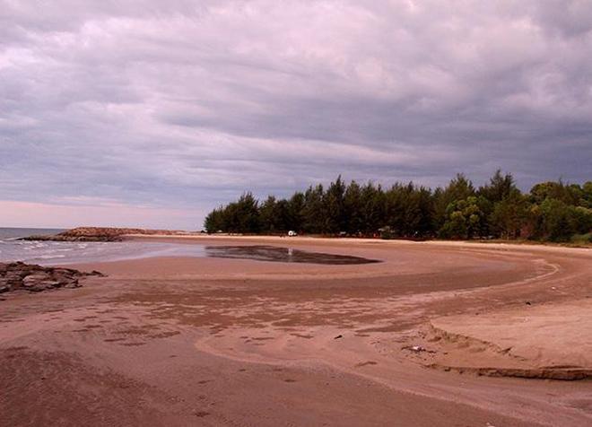 Пляж Пенанджонг
