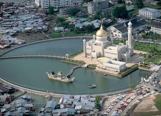 Бруней имеет очень удачное место расположения