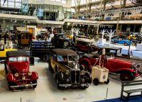 Ретро-автомобили в музее Автомир