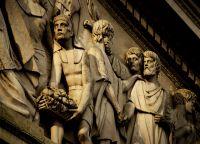 Фрагмент барельефа, украшающего фасад кафедрального собора Буэнос-Айреса