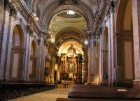 Центральный неф в кафедральном соборе Буэнос-Айреса