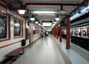 Станция метро в Буэнос-Айресе
