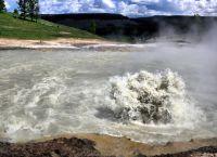 Бурлящее озеро Мебарцо