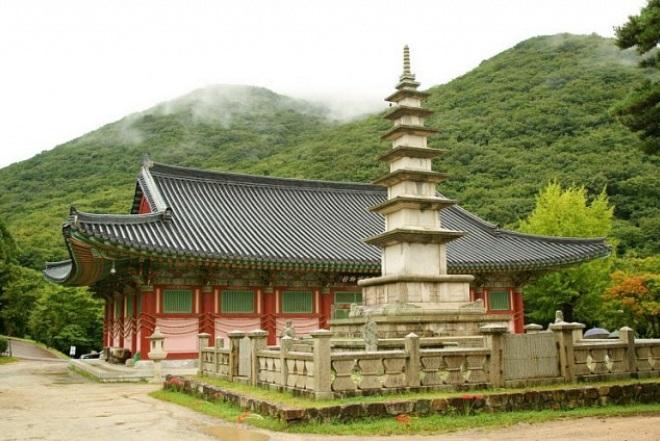 Храм Помоса