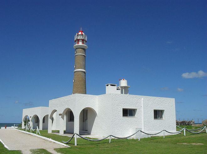 Здание маяка Кабо-Полонио