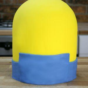 Jak vyrobit koláč Minion mastic - master class 3