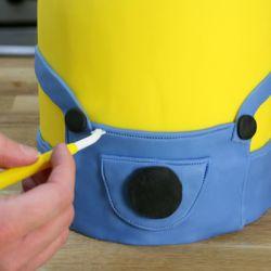 Jak vyrobit koláč Minion mastic - master class 6