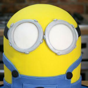 Jak vyrobit koláč Minion mastic - master class 8