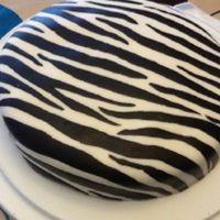 jak ozdobić ciasto z mastyksem w domu 12