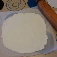 jak ozdobić ciasto za pomocą mastyksu w domu 2