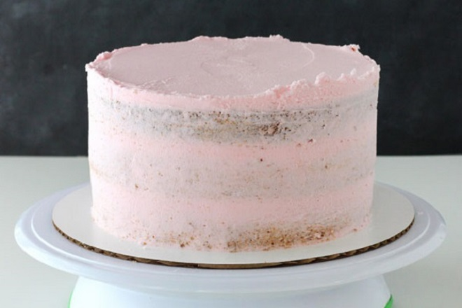 Prekrasna torta od kreme za djevojke 1