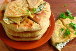 tortille z twarogiem i zieleniną