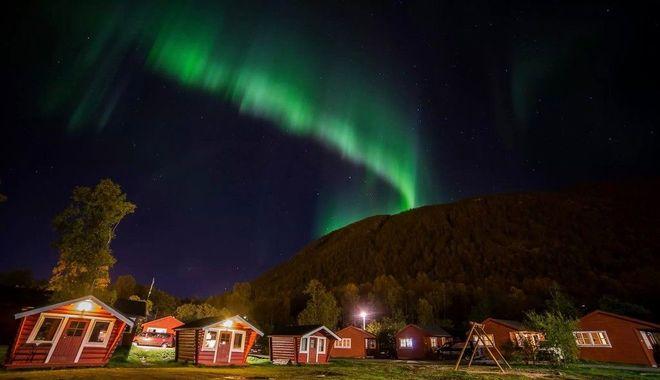 Северное сияние в кемпинге Tromso, Норвегия