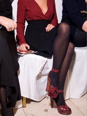 Могу ли носити сандале са најлонским ногама11