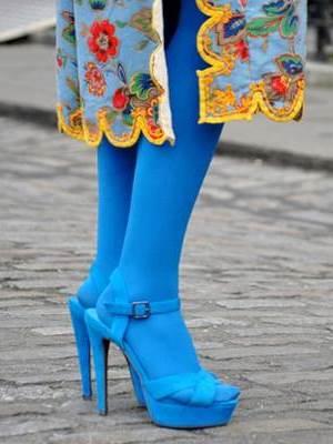 Могу ли носити сандале са најлонским хлачицама?