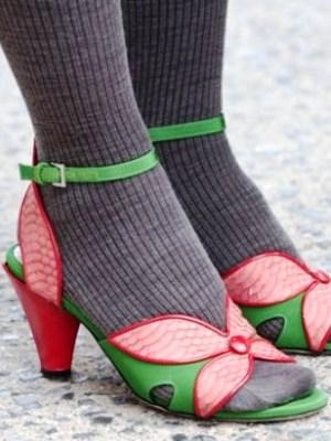 Могу ли носити сандале са најлонским ногама4