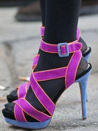 Могу ли носити сандале са најлонским хлачицама9?