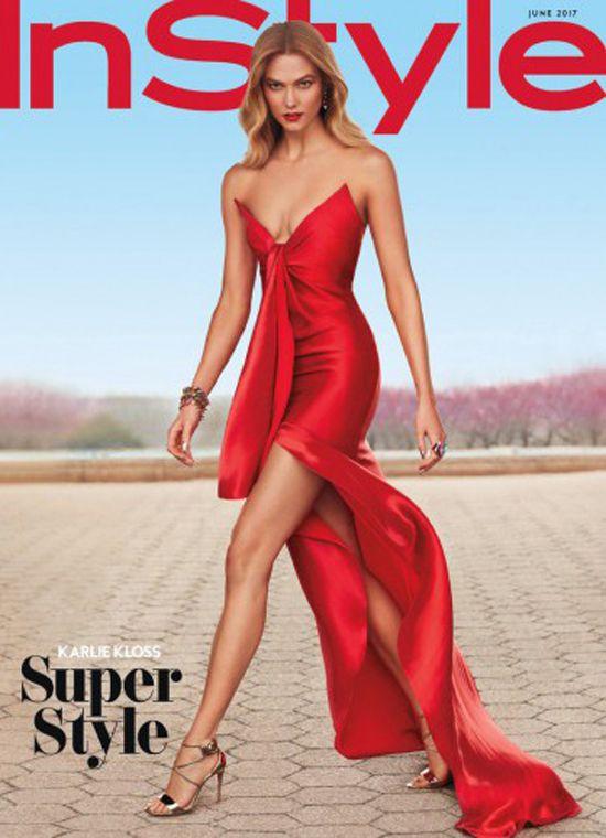 Карли Клосс в образе супергероини