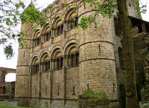 Крепостные стены замка