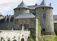 Замок Коррой