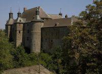 Замок Экузин-Лален