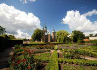 Замок Розенборг сады