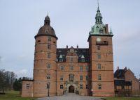 Замок Валлё две башни