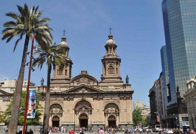 Резултат с изображение за пожар в църква в Сантяго