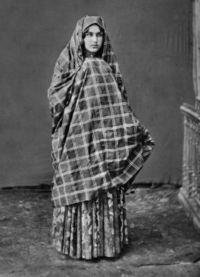 Kavkazská národní šaty 4