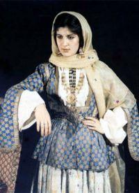 Kavkazská národní šaty 9