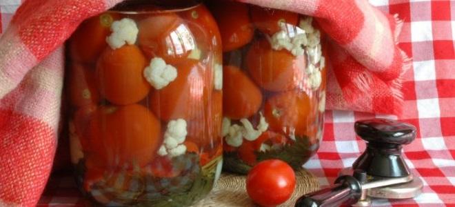 Marynowane pomidory z kalafiorem na zimę