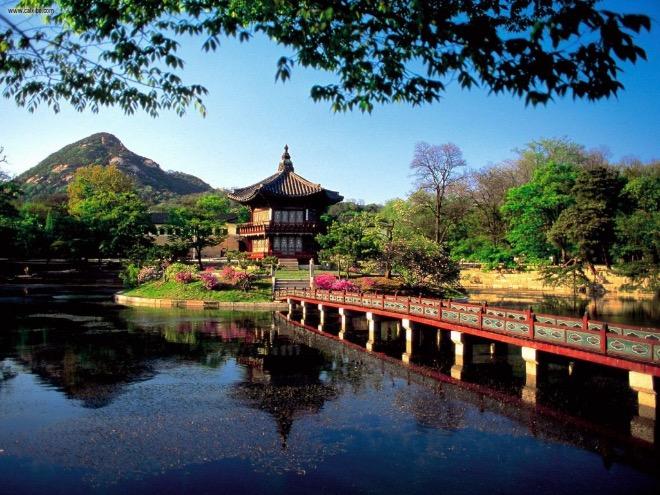Парк дворца Чхандоккун