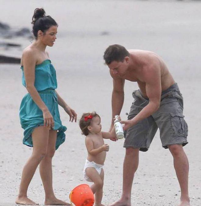 Ченнинг Татум с женой и дочерью