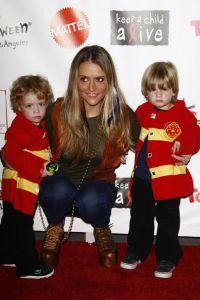 Брук Мюллер растит 6-летних сыновей-близнецов Боба и Макса