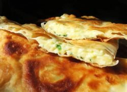 tjestenina s pita kruhom s sirom