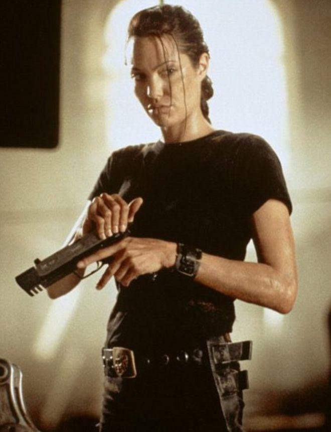 Джоли в роле Лары Крофт