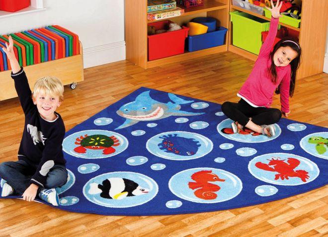 Dywan w stylu marynistycznym w przedszkolu